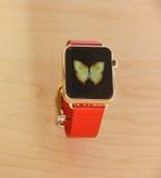 Apple observent montré dans un magasin de pomme Image stock