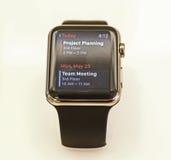 Apple observent montré dans un magasin de pomme Images stock