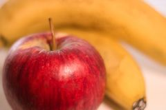 Apple och bananer Arkivbilder