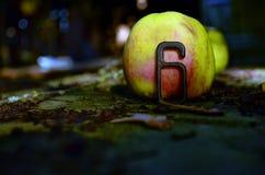 Apple och diagram 6 fotografering för bildbyråer