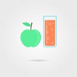 Apple och exponeringsglas av orange fruktsaft med skugga Royaltyfria Foton