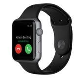 Apple olha o espaço Gray Aluminum Case do esporte 42mm com faixa preta Foto de Stock Royalty Free