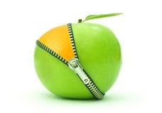 Apple orange vinande arkivbilder