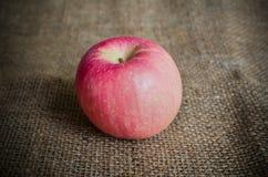 Apple på säcken Arkivfoton
