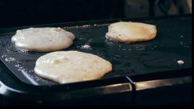 Apple pannkakor som lagar mat på lagget lager videofilmer