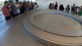 Apple parquea el centro del visitante almacen de video