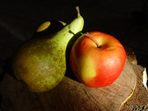 Apple & pear. Sweet couple Royalty Free Stock Images