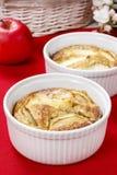 Apple pie in ceramic bowl Royalty Free Stock Photos