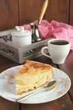 Apple pie, coffee and pink napkin Stock Images