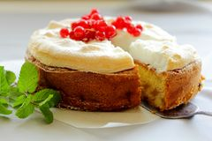 Apple pie with red currants and meringue. Stock Photography