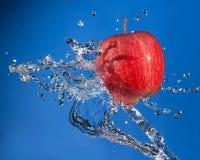 Apple plaskar Fotografering för Bildbyråer