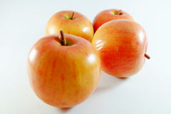 Apple portent des fruits, fruit artificiel - c'est le fruit contrefait 10 photo libre de droits