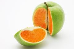Apple que contem uma laranja Imagem de Stock Royalty Free
