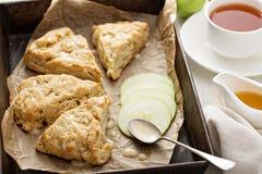 Apple scones με το λούστρο Στοκ Εικόνες