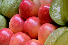 Apple, starfruit- och äppleguava Royaltyfria Bilder