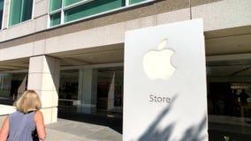 Apple Store en el campus de la compañía en el valle del silicón, lazo uno del infinito almacen de video