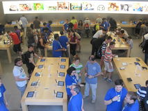 Apple Store on Fifth Avenue in New York City Stock Photo