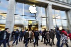 Apple store in Hamburg Stock Photos