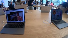 Apple Store MacBook pro