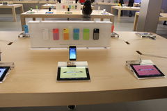Apple Store. New IPHONE 5C Collection at Store in Bellevue Mall Square Stock Images