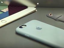 Apple Store som shoppar Arkivbild