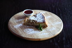 Apple strudel Arkivfoto