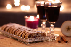 Apple strudel with sugar and mulled wine Stock Images