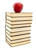 Apple sui libri Fotografia Stock Libera da Diritti