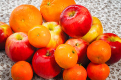 Apple, Tangerine και πορτοκάλια Στοκ φωτογραφία με δικαίωμα ελεύθερης χρήσης