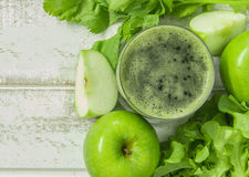 apple and vegetable smoothie Royalty Free Stock Photos