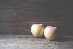 Apple on wooden Royalty Free Stock Photography