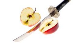 Apple y cuchillo Foto de archivo libre de regalías