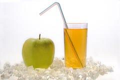 Apple y jugo Foto de archivo libre de regalías