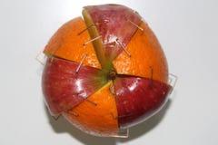 Apple y naranja Imagenes de archivo