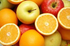 Apple y naranjas Fotografía de archivo libre de regalías