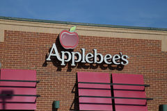 Applebee ` s邻里格栅和酒吧restauran标志和商标  免版税库存照片