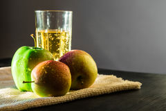 Free Apples And Sparkling Apple Wine Stock Photos - 77539473