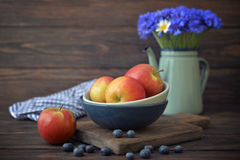 Apples and blueberry Royalty Free Stock Photos