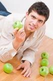 apples eating man Στοκ Φωτογραφία