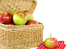 Apples in picnic basket Royalty Free Stock Images