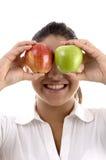 apples posing woman Στοκ φωτογραφίες με δικαίωμα ελεύθερης χρήσης