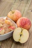 Applesauce med äpplen fotografering för bildbyråer