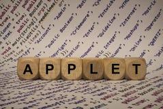 Applet - κύβος με τις επιστολές και λέξεις από τον υπολογιστή, λογισμικό, κατηγορίες Διαδικτύου, ξύλινοι κύβοι Στοκ Εικόνες