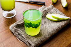 Appletini/πράσινος χυμός της Apple Στοκ Φωτογραφίες