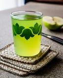Appletini/πράσινος χυμός της Apple Στοκ φωτογραφίες με δικαίωμα ελεύθερης χρήσης