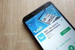 Appli de souhait sur le site Web de Google Play Store montré sur le smartphone 2018 de Huawei Y6 image stock