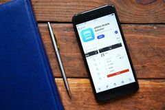 Appli mobile pour des choses de commande photographie stock libre de droits