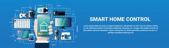 Application à la maison futée de Smartphone de prise de main de système de contrôle Images libres de droits