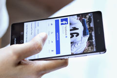 Application de mobile de Facebook Photographie stock