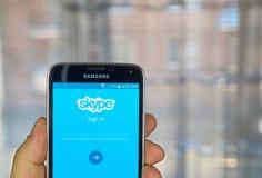 Application de Skype sur le smartphone androïde Image stock